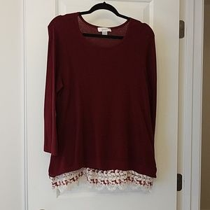 Long sleeve shirt lace around the bottom